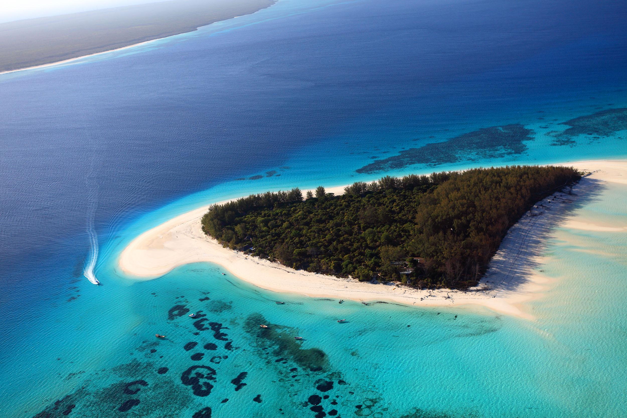 Tanzania zanzibar mnemba island overhead